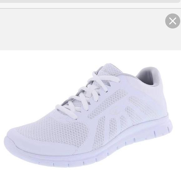 champion white tennis shoes